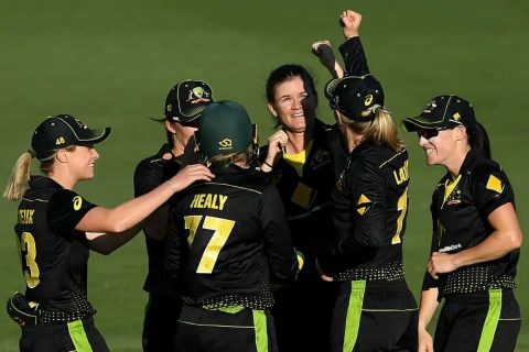 Australia Women's Team Beat New Zealand By 17 Runs in The First T20