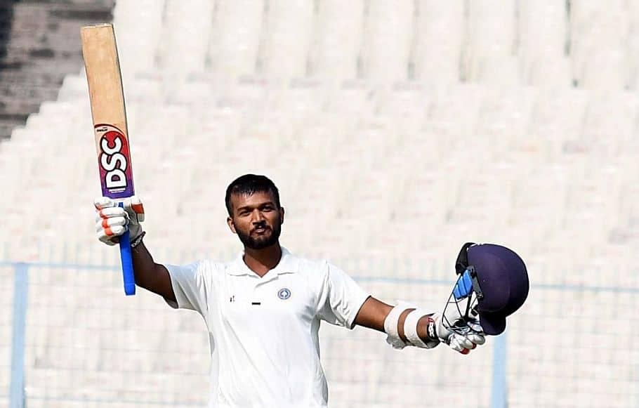 Jalaj Saxena Test Cricket Match