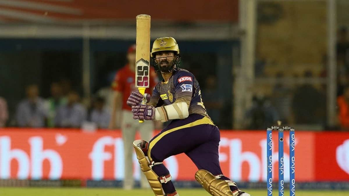 IPL 2020: 'He Pulled Off a Dhoni, Did What MS Has Been Doing to Other Teams,' Ajay Jadeja Impressed with Dinesh Karthik's Strategy