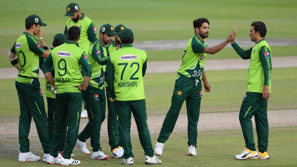 Pakistan, Zimbabwe Squads Get All Clear After COVID-19 Tests