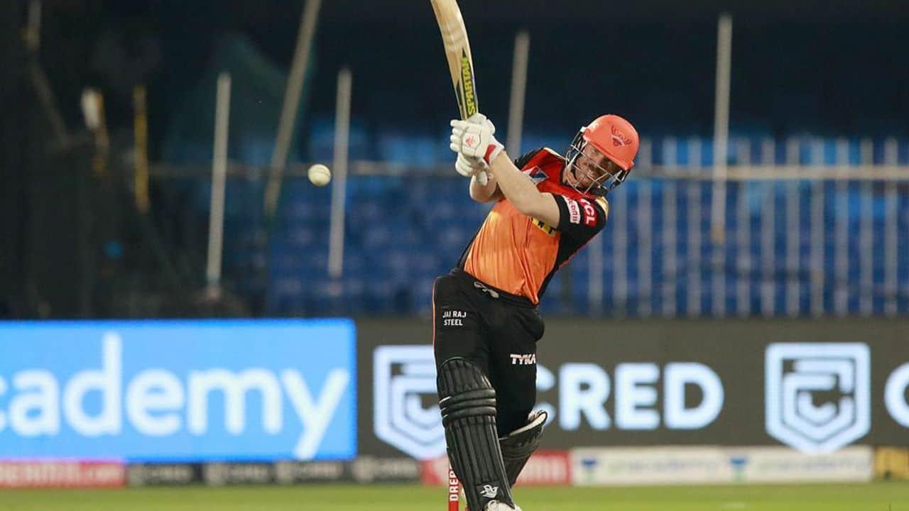 IPL 2020: David Warner Surpasses Virat Kohli, Becomes First Player To Score 500+ Runs in 6 Consecutive Seasons