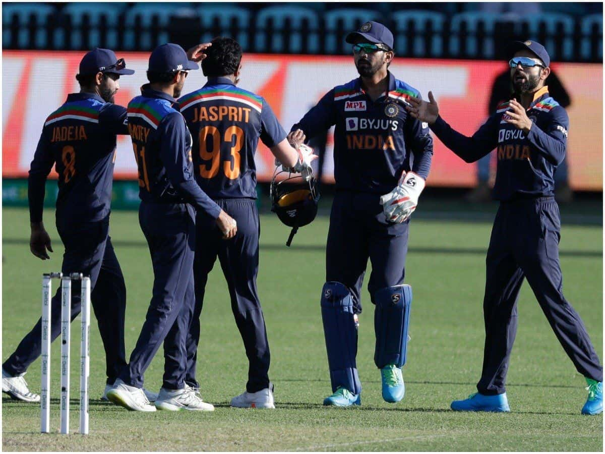 IND vs AUS: Virat Kohli & Co Fined 20 Percent of Match Fee For Slow Over-Rate in 1st ODI