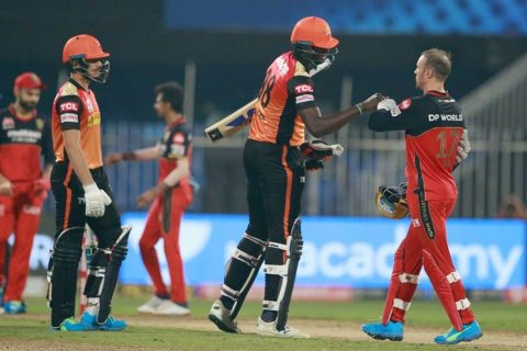 IPL 2020 – RCB vs SRH Highlights & Analysis: SunRisers Hyderabad Defeated Royal Challengers Bangalore By 5 Wickets, SRH's Chances to Playoffs Remains Intact