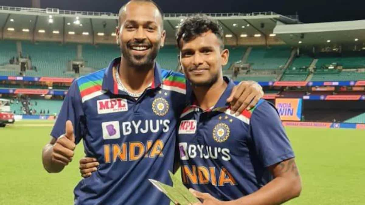 Hardik Pandya Gives Away His Man of The Series Trophy to T Natarajan, Says 'You Deserve it'