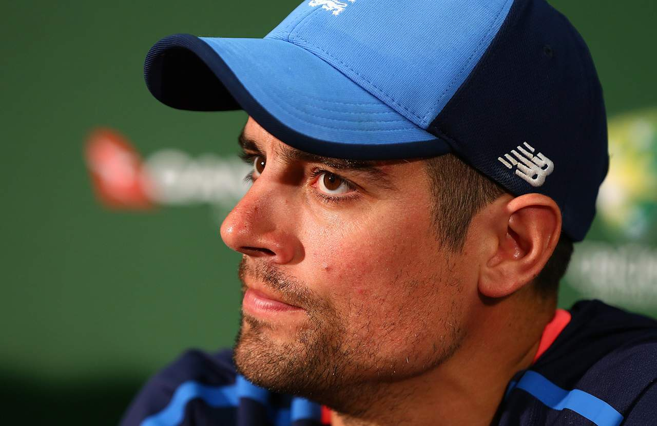 Sir Alastair Cook Shares His Opinion on Steve Smith & 'Scuffgate' Controversy