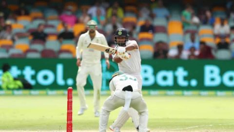 IND vs AUS: Rishabh Pant Notches up 1000 Test Runs, Breaks MS Dhoni's Record