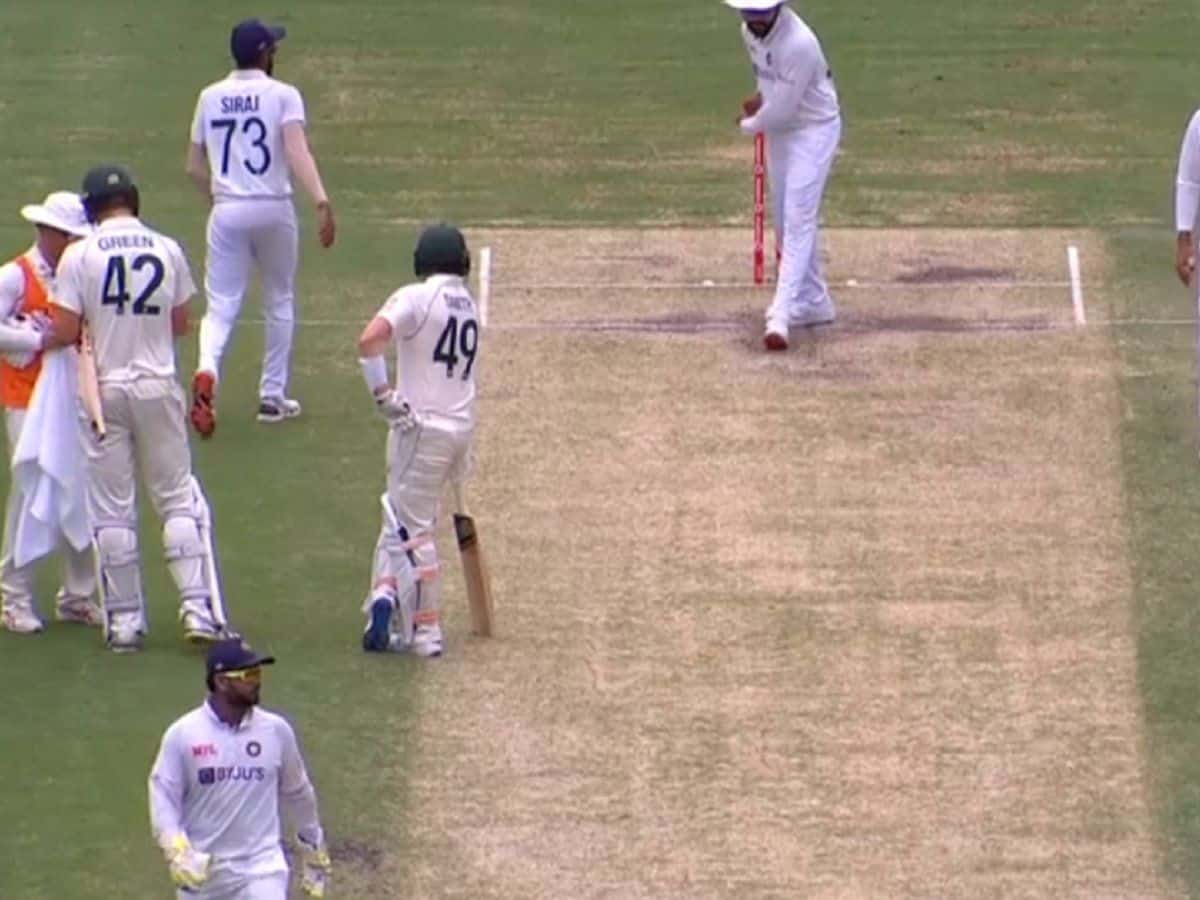 IND vs AUS: Rohit Sharma Shadow Bats on the Pitch as Steve Smith Watches on Day 4