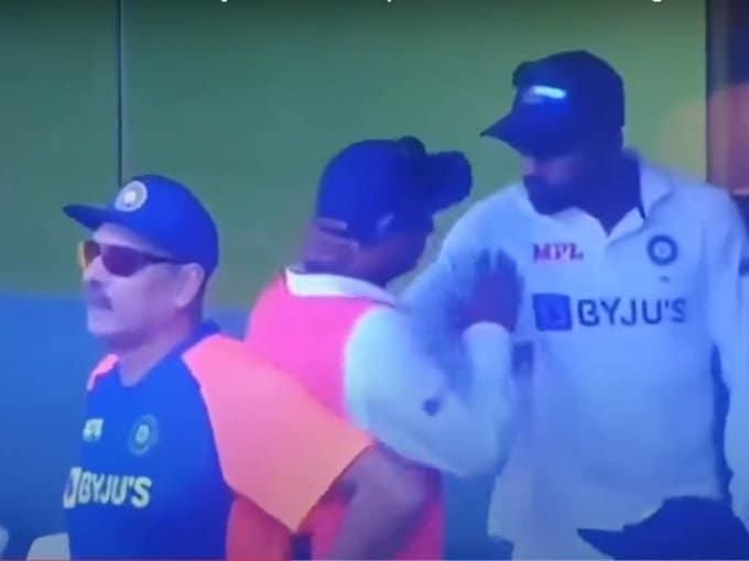 Watch: Mohammed Siraj Grabs Kuldeep Yadav by His Neck; Fans Demand Investigation