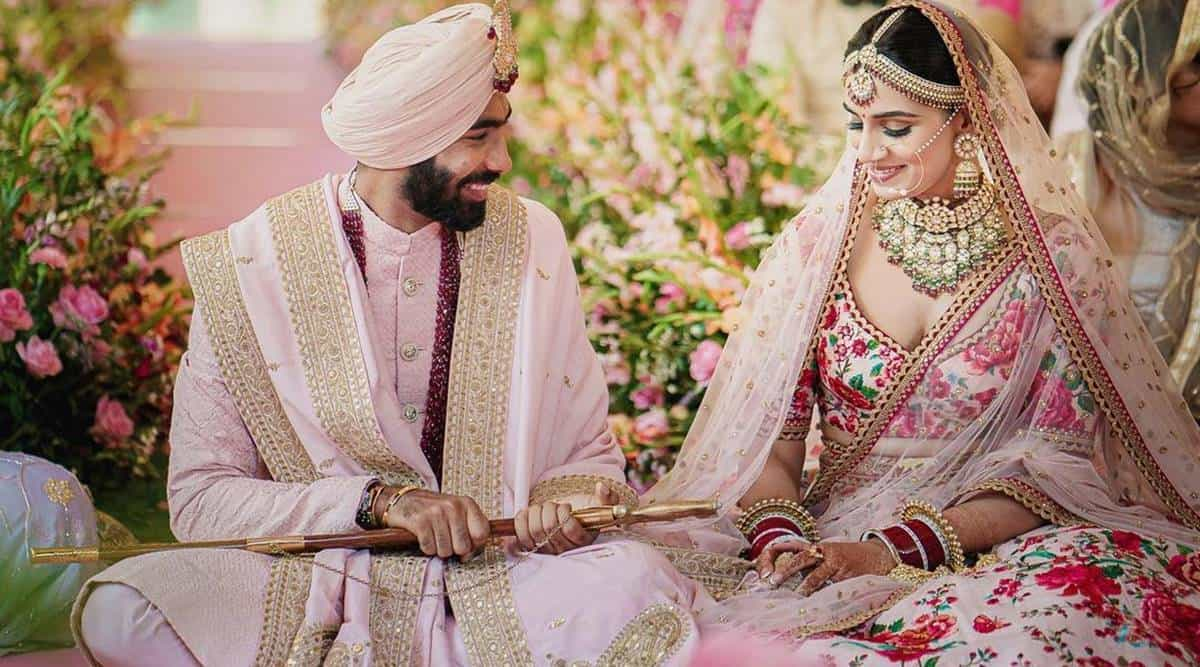 Jasprit Bumrah Marries Sports Presenter Sanjana Ganesan, Photos From Their Wedding Getting Viral