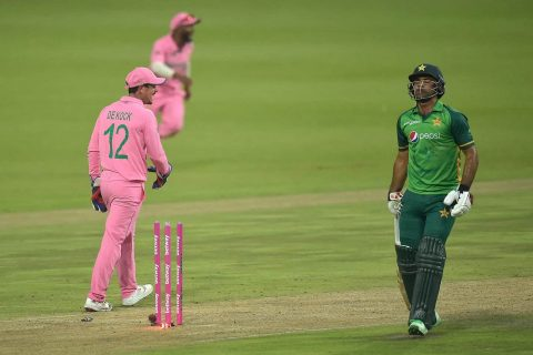 Karma Will Take Good Care Of Quinton de Kock: Twitterati Reacts After Fakhar Zaman's Controversial Run Out On 193