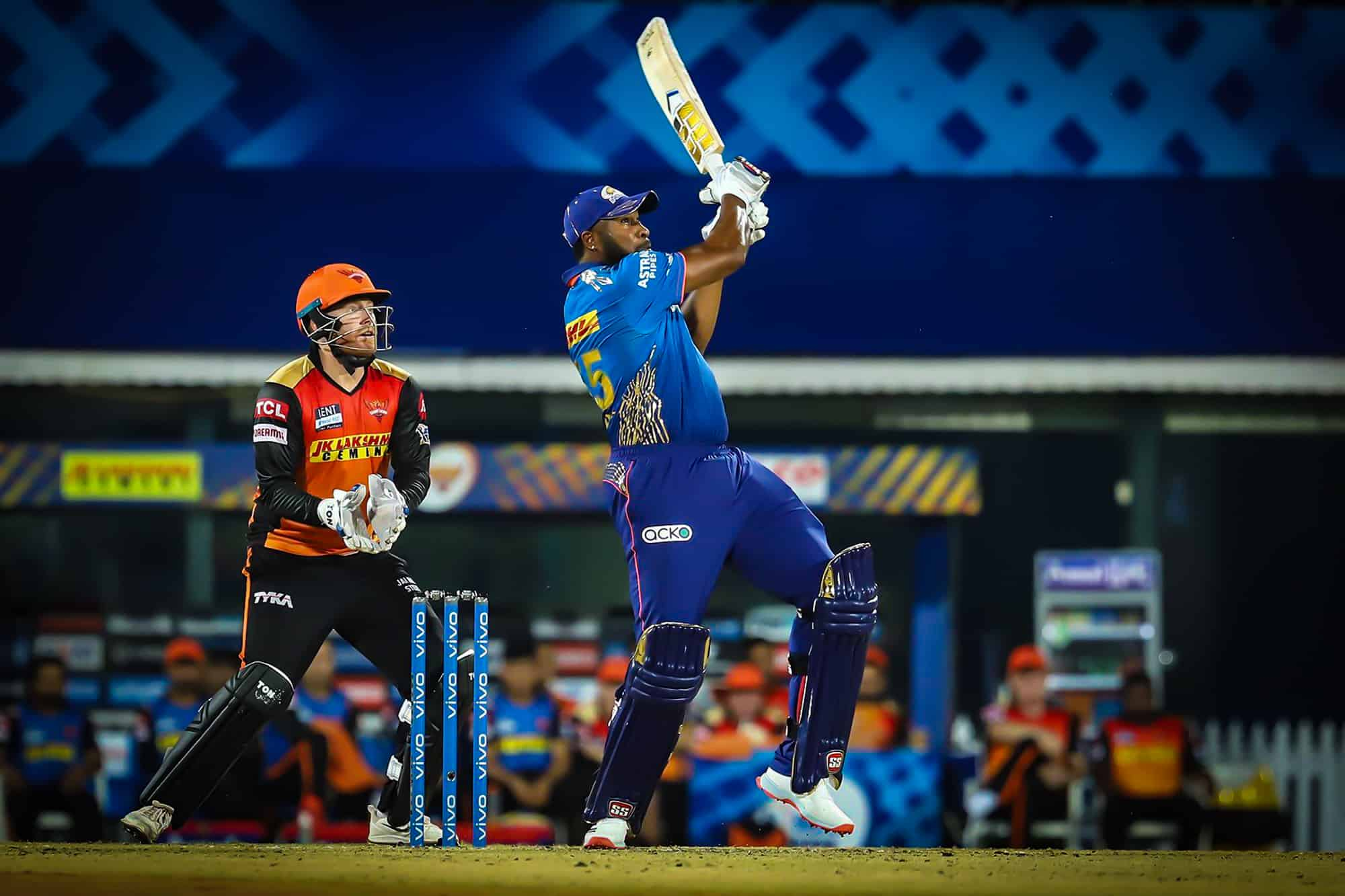 Kieron Pollard Becomes 6th Batsman With 200-Plus Sixes in IPL
