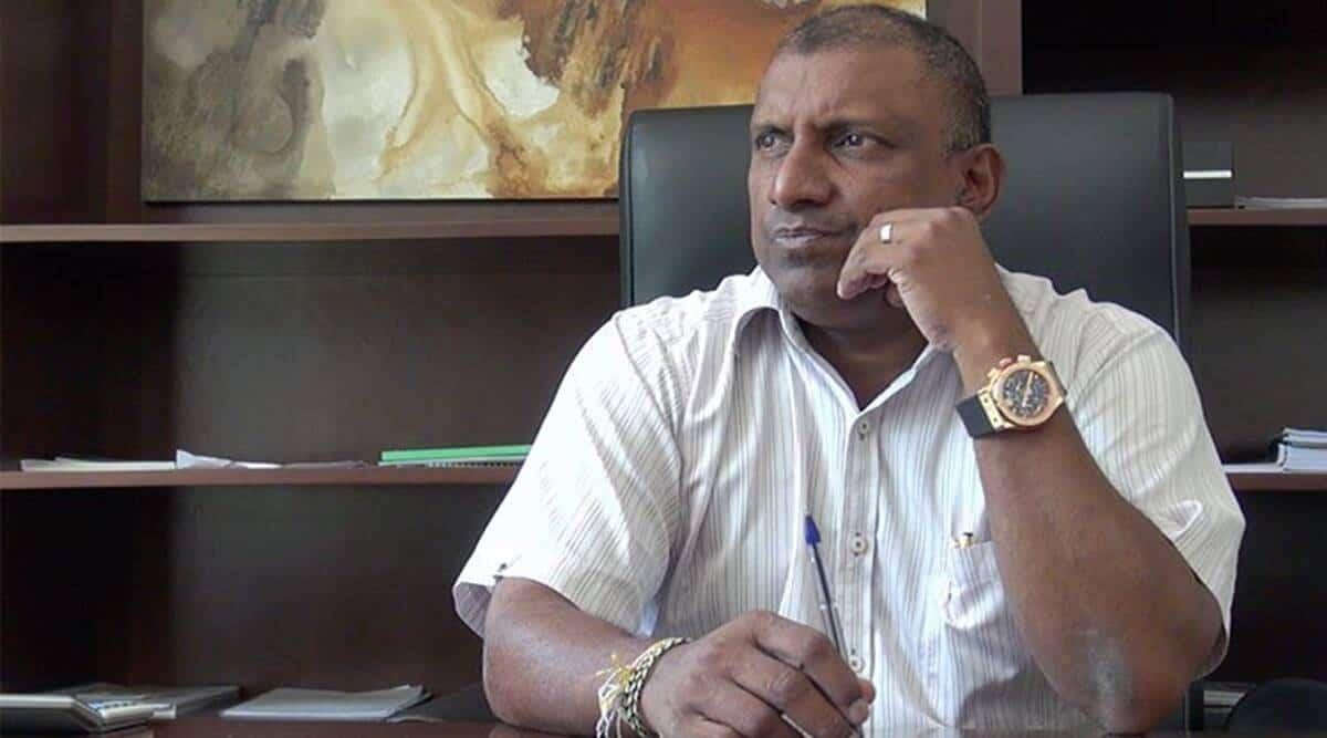 Aravinda de Silva Urges SLC To Give 'Suitable Punishment' To Mendis, Dickwella & Gunathilaka